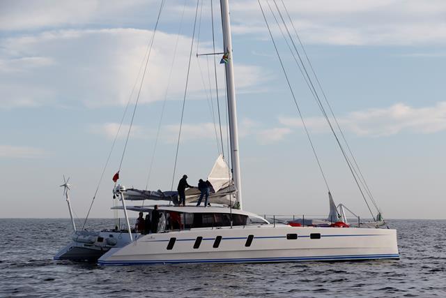 M60_Full_Carbon_High_Performance_Sailing_Catamaran (1)