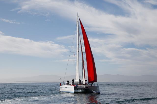 M60_Full_Carbon_High_Performance_Sailing_Catamaran (13)