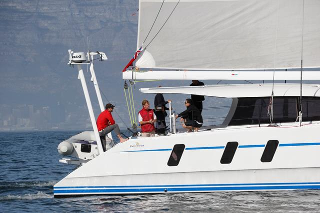 M60_Full_Carbon_High_Performance_Sailing_Catamaran (20)