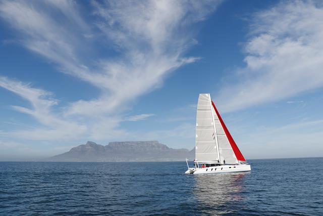 M60_Full_Carbon_High_Performance_Sailing_Catamaran (21)