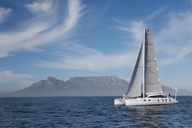 M60_Full_Carbon_High_Performance_Sailing_Catamaran (8)